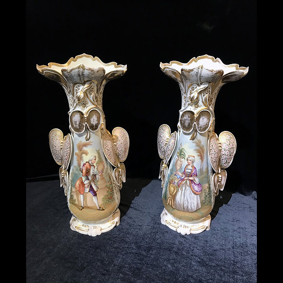 Парные вазы «Кавалер и дама»