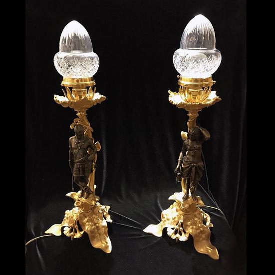 Парные светильники в колониальном стиле