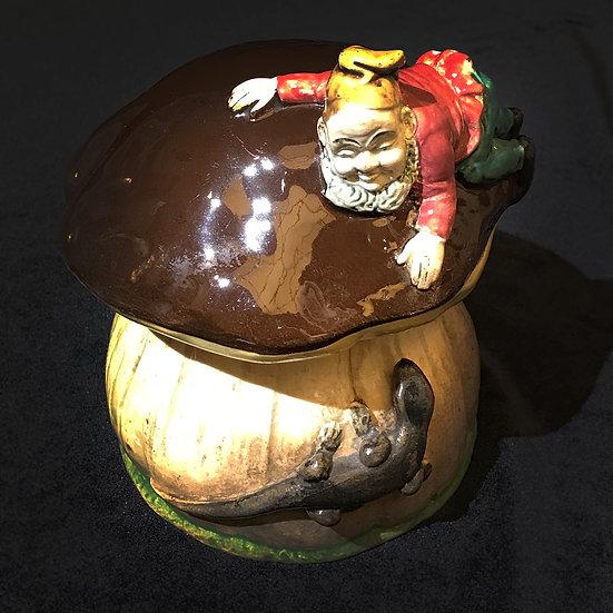 Масленка «Гриб с саламандрой и гномом»