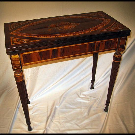 Ломберный столик