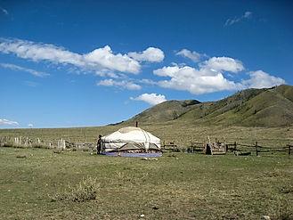 yurt-486865_960_720.jpg