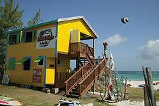 deaction-beach-shop-146563.jpg