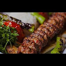 """""""Adana kabab"""" (acılı) / """"Adana kebab"""" (spicy)"""