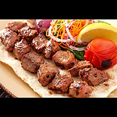 Quzu şiş / Lamb on the skewers