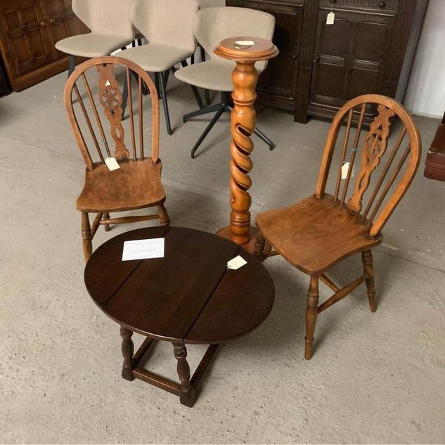 tableandchairs.jpg
