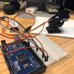 Arduino + Bread Board Circuts Servo