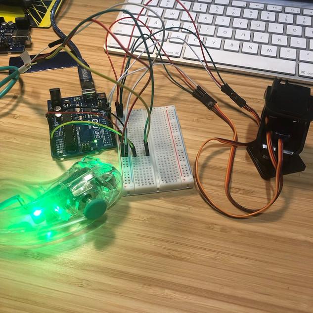 Nunchuck Servo Sensor