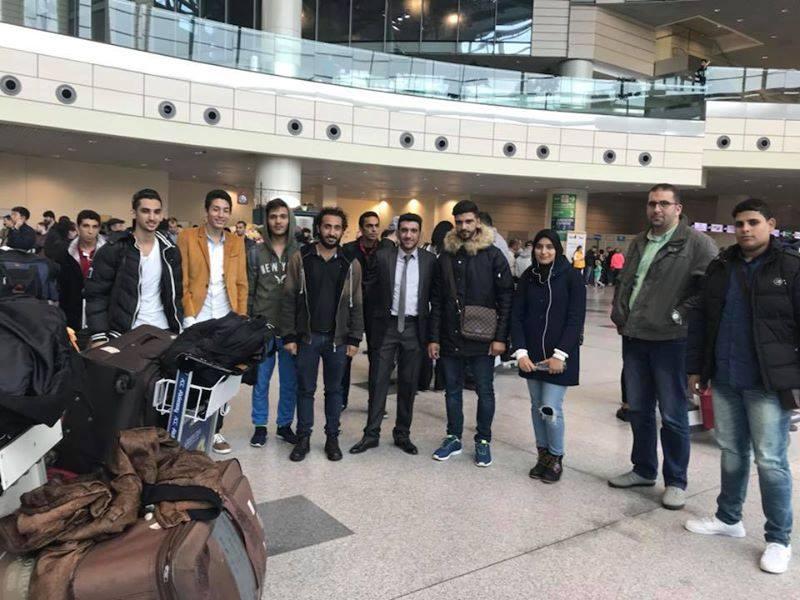 إستقبال طلاب شركة الشمس في المطار في