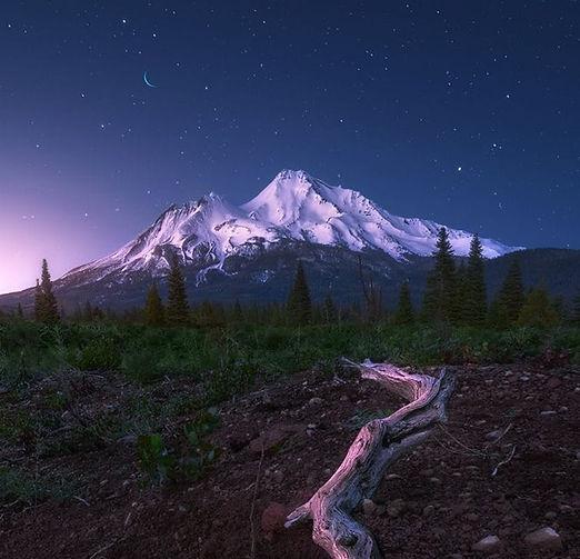 mount shasta night.jpg