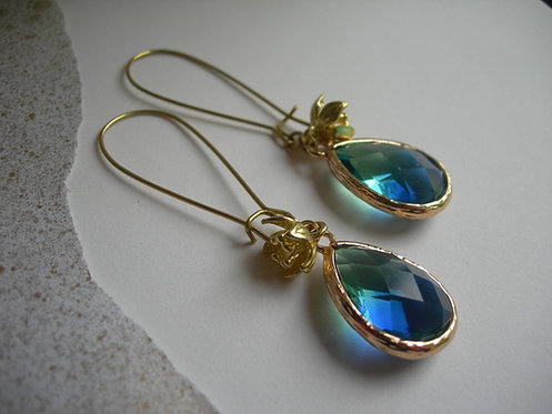 Plum earrings. Green and blue