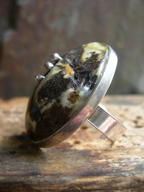Amber ring in sterling silver