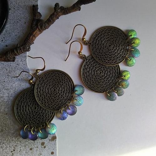 Disc earrings.
