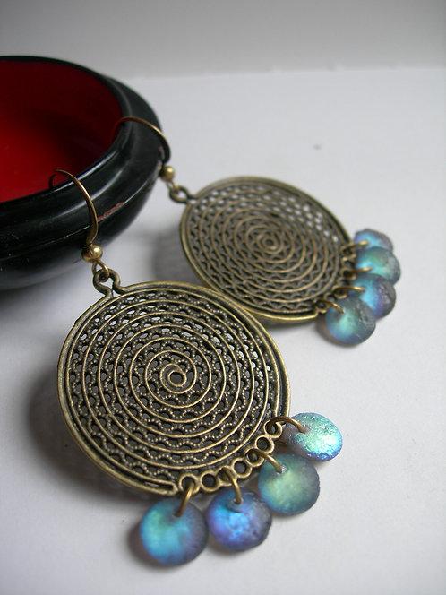 Disc earrings. Blue