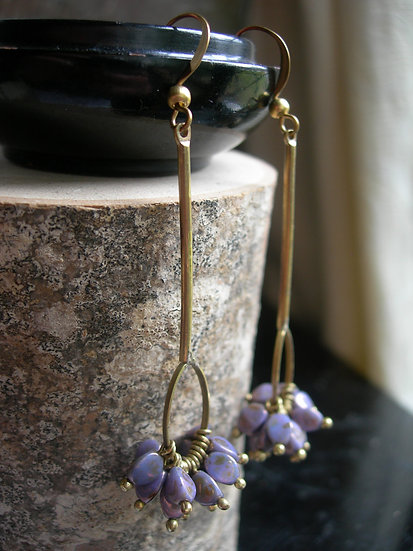 Carnation earrings. Opaque Lilac