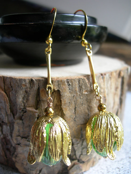Golden Tulip earrings. Green.