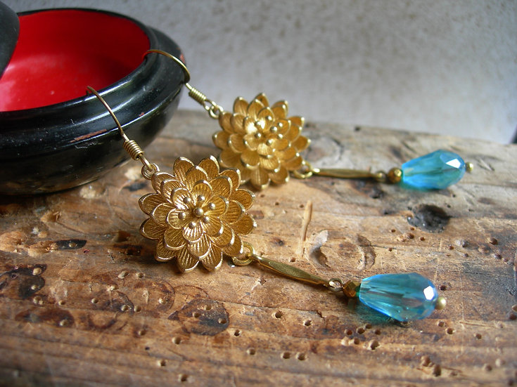 Water lily earrings. Aqua