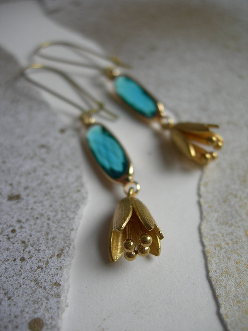 Snowdrop earrings. Emerald green