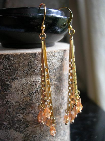 Morning Dew earrings. Champagne.