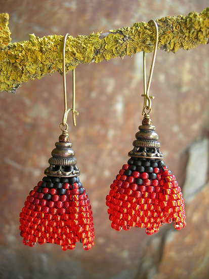 Poppy earrings. Red