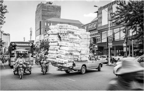 Madness on the road, Phnom Penh