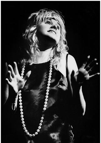 Ragtime singer on stage, Dunedin