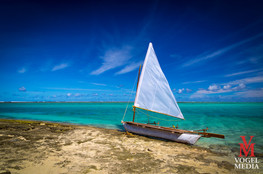Abandoned sailboat...