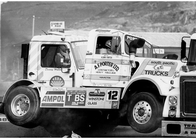 Racing truck crash, Baypark raceway
