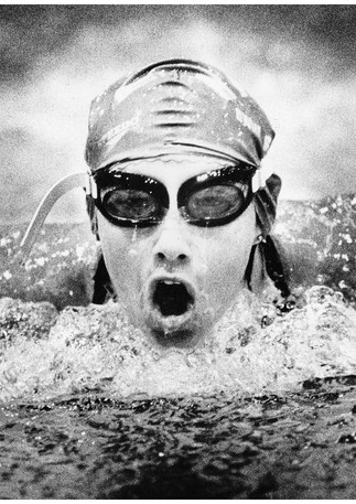 Commonwealth games swimmer