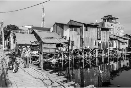Phnom Penh river slum