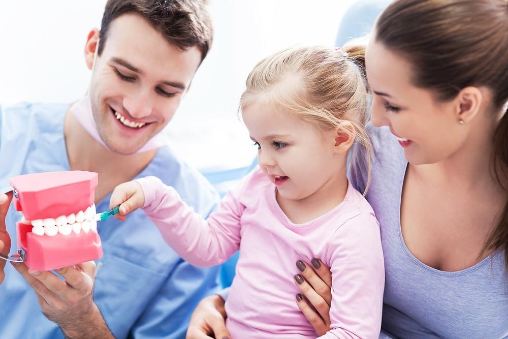 Criança sorriso saudável