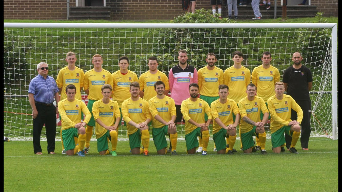 Ynys FC Team Photo