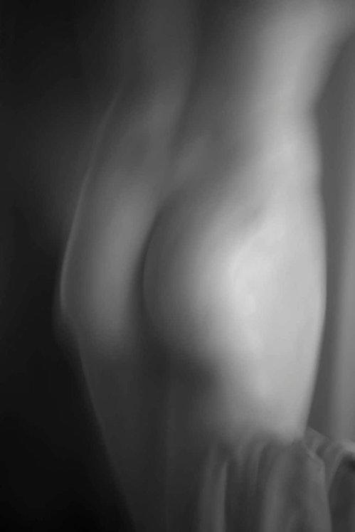 Roman Statue Study 8_Black and White Abstract Photograph_2014_Luca Artioli