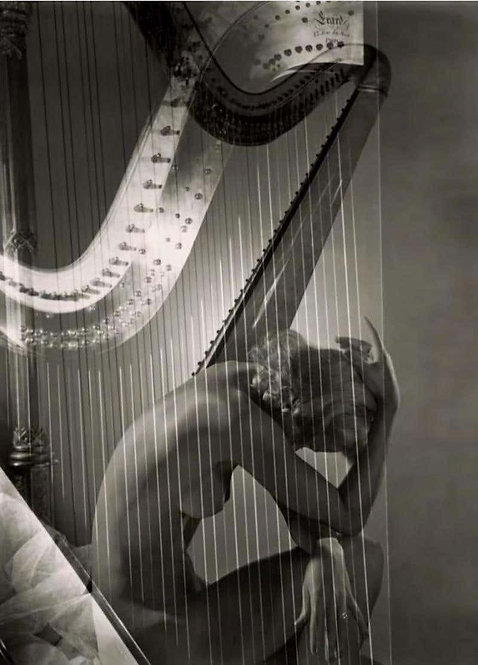 Classics - Lisa with Harp (Framed), 1939