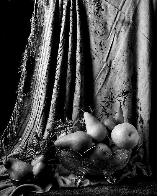 Peras con cortina marroquí II. (B&W). From the bodegon series, 201