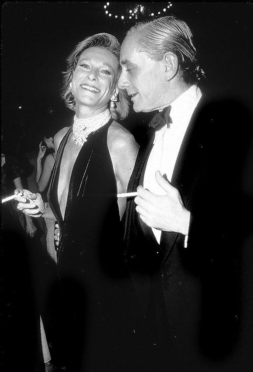 Nan Kempner and Kenneth Jay Lane at Christie's, New York, 1986_ Rose Hartman