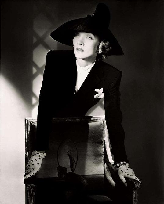 Classics - Marlene Dietrich 1942 II, 1973 (Small size)
