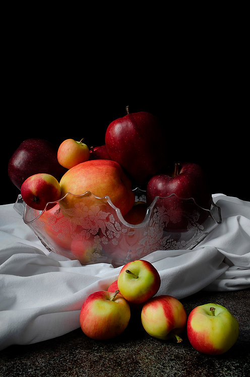 Apples I. From the bodegon series