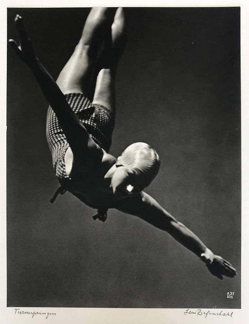 Die Siegerin (The Winner), 1936