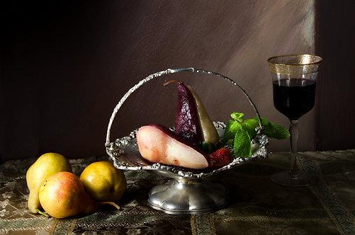 Peras en almíbar de vino rojo. From the bodegon series, 2015