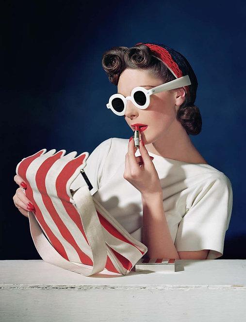 Muriel Maxwell, Ensemble Sally Victor, Bag Paul Flato, Sunglasses Lugene, 1939