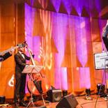 Chanteur de jazz avec son groupe lors d'un évènement en Belgique