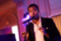 Chanteur professionnel de soul en concert corporate