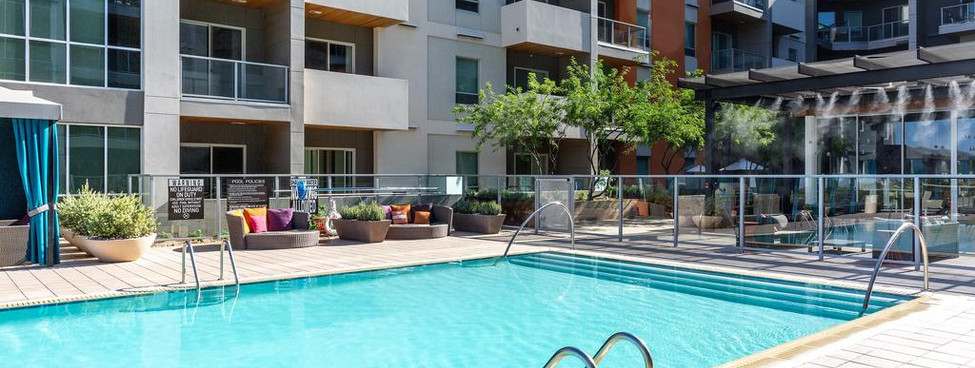 Live Healthy Retreats Venue Pool Broadst