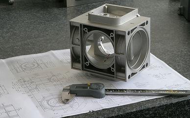 engineer-4054591_1920.jpg