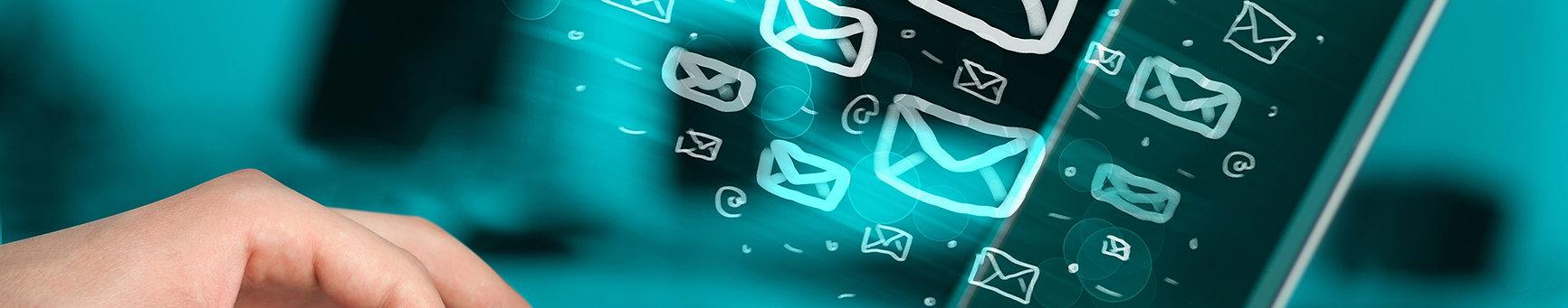 E-mails promocionais são uma das formas mais econômicas para qualquer empresa se conectar com os clientes. Pesquisas mostram que uma mensagem é cinco vezes mais provável de ser vista por e-mail do que em mídias sociais como Facebook ou Twitter. É por isso que os músicos usam o software de e-mail marketing para compartilhar seu cronograma de desempenho com seus fãs, sem fins lucrativos usam-no para obter doações e os fotógrafos o usam para promover seus serviços de retrato.