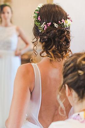 Emilie Gerbaud E.G Coiffure Evenementielle coiffeuse maquilleuse à domicile vaucluse Malaucène Vaison la romaine Avignon Mariage Beauté Atelier Cours d'auto-coiffure EVJF