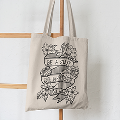 mockup-of-a-tote-bag-hanging-from-a-wood