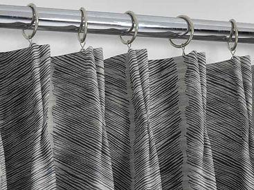 double-pinch-pleat-feather-noir.jpg