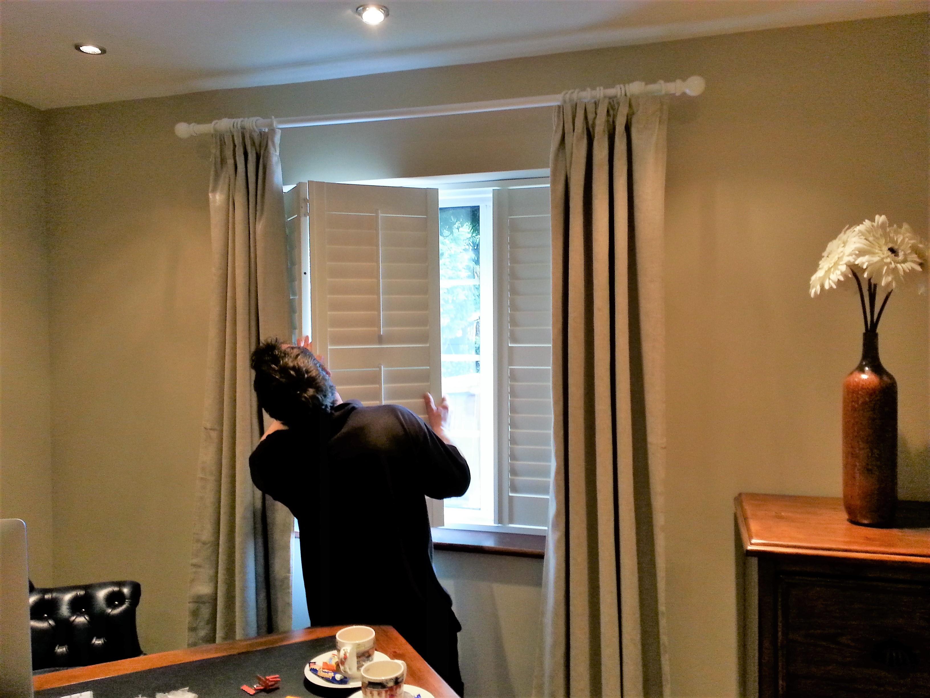 hanging shutter doors