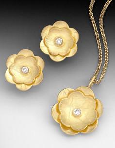 """Crinkled Gold """"Flower"""""""